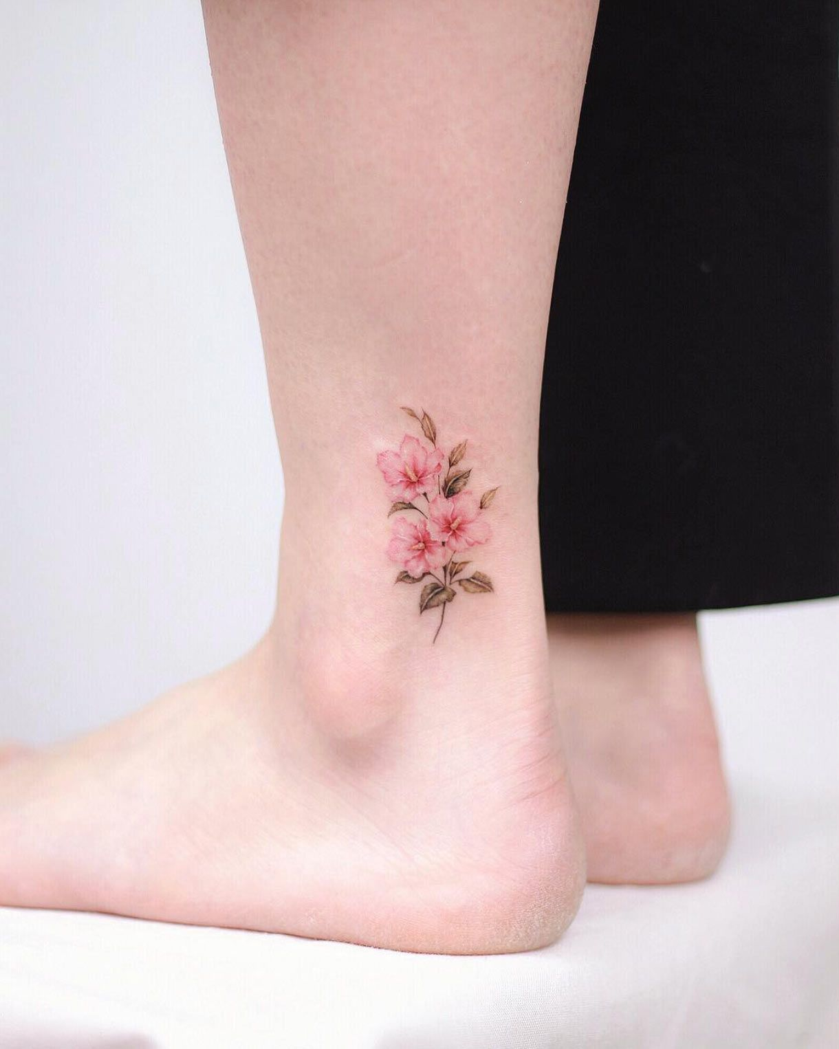 50 Gorgeous Tattoo Designs You Ll Desperately Desire Tattooblend Gorgeous Tattoos Cute Ankle Tattoos Small Tattoos