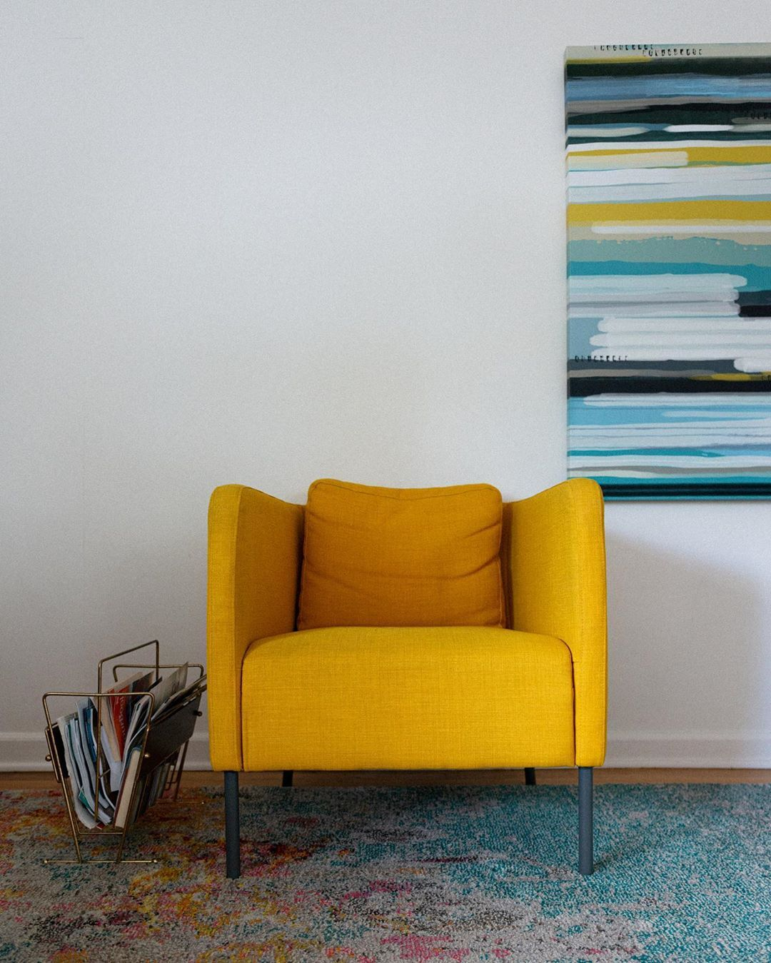 Best Post Century Modern Airbnb—Portland Or Yellow Lounge 400 x 300