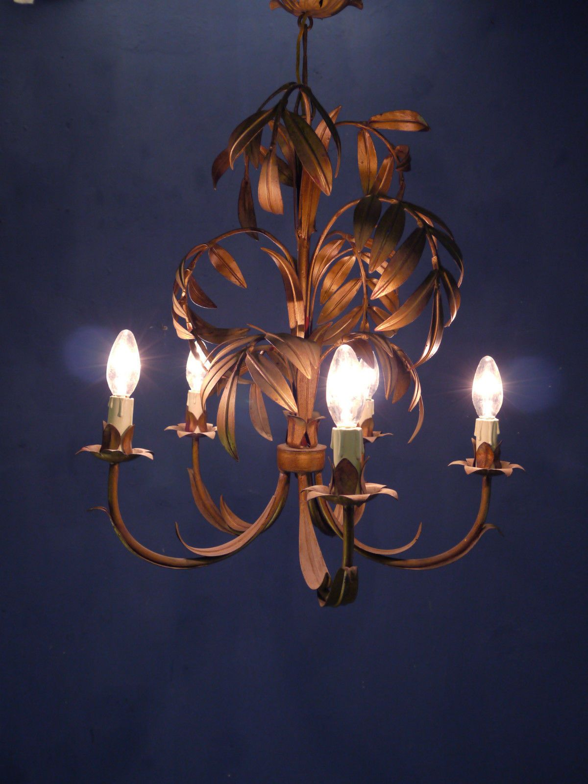 Vintage italian 1960s gilt tole chandelier palm leaves hollywood vintage italian 1960s gilt tole chandelier palm leaves hollywood regency era ebay arubaitofo Image collections