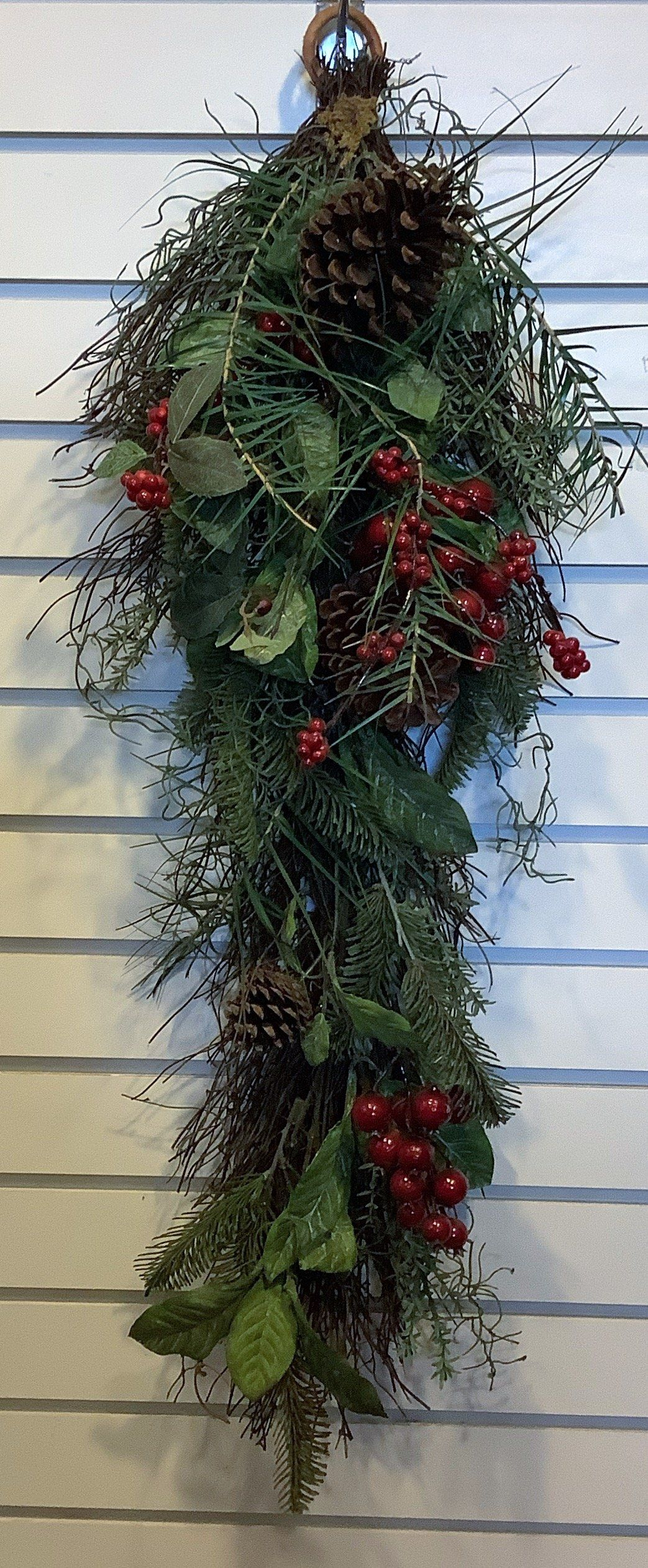 Greenery Wall Decor with Pine Cones/Red Berries 31