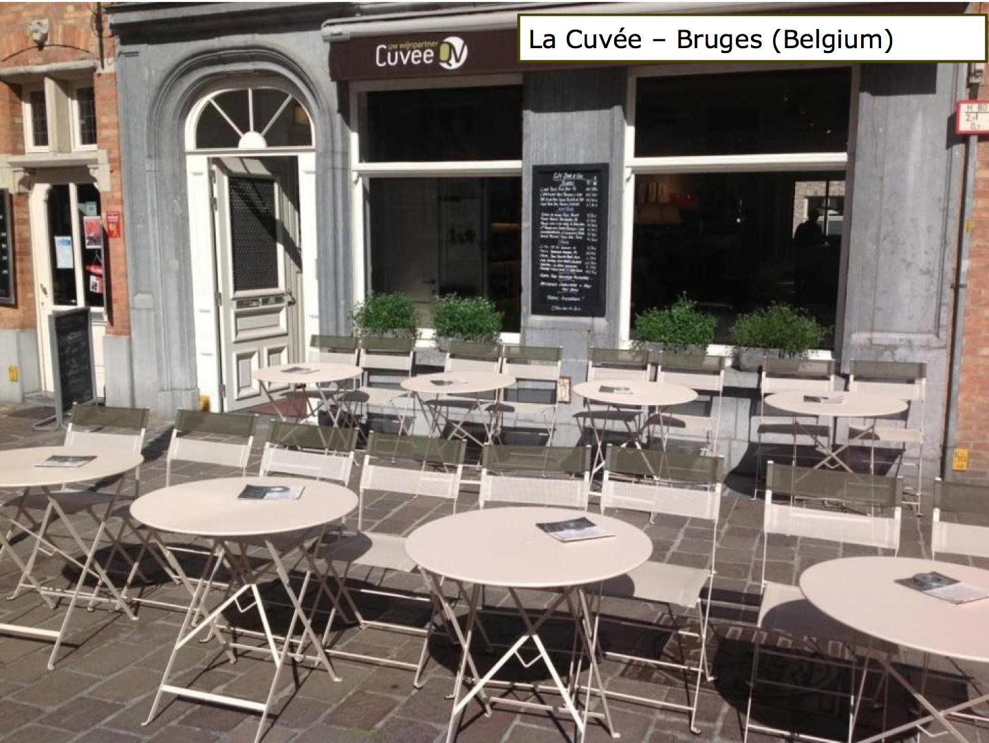 terrasse avec tables #bistro et chaises #latitude couleur #muscade ... - Chaise De Restaurant D Occasion