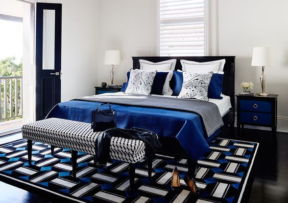 Chique slaapkamer met blauw accenten - klassieke slaapkamer ...