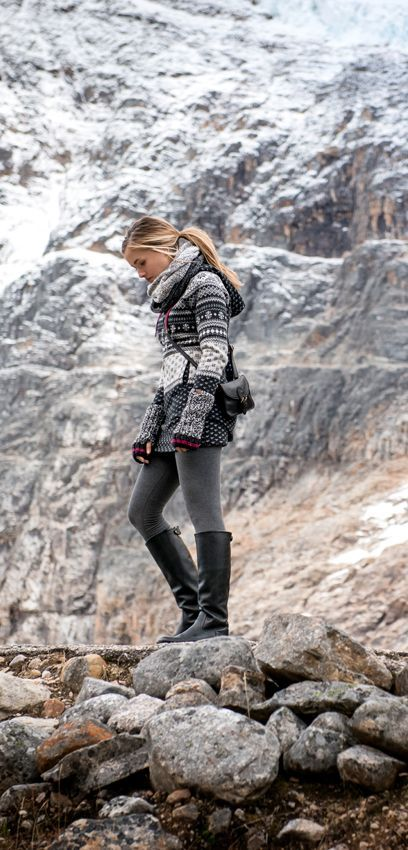 Gorgeous Monochrome Knitwear Trekking Outfit Women