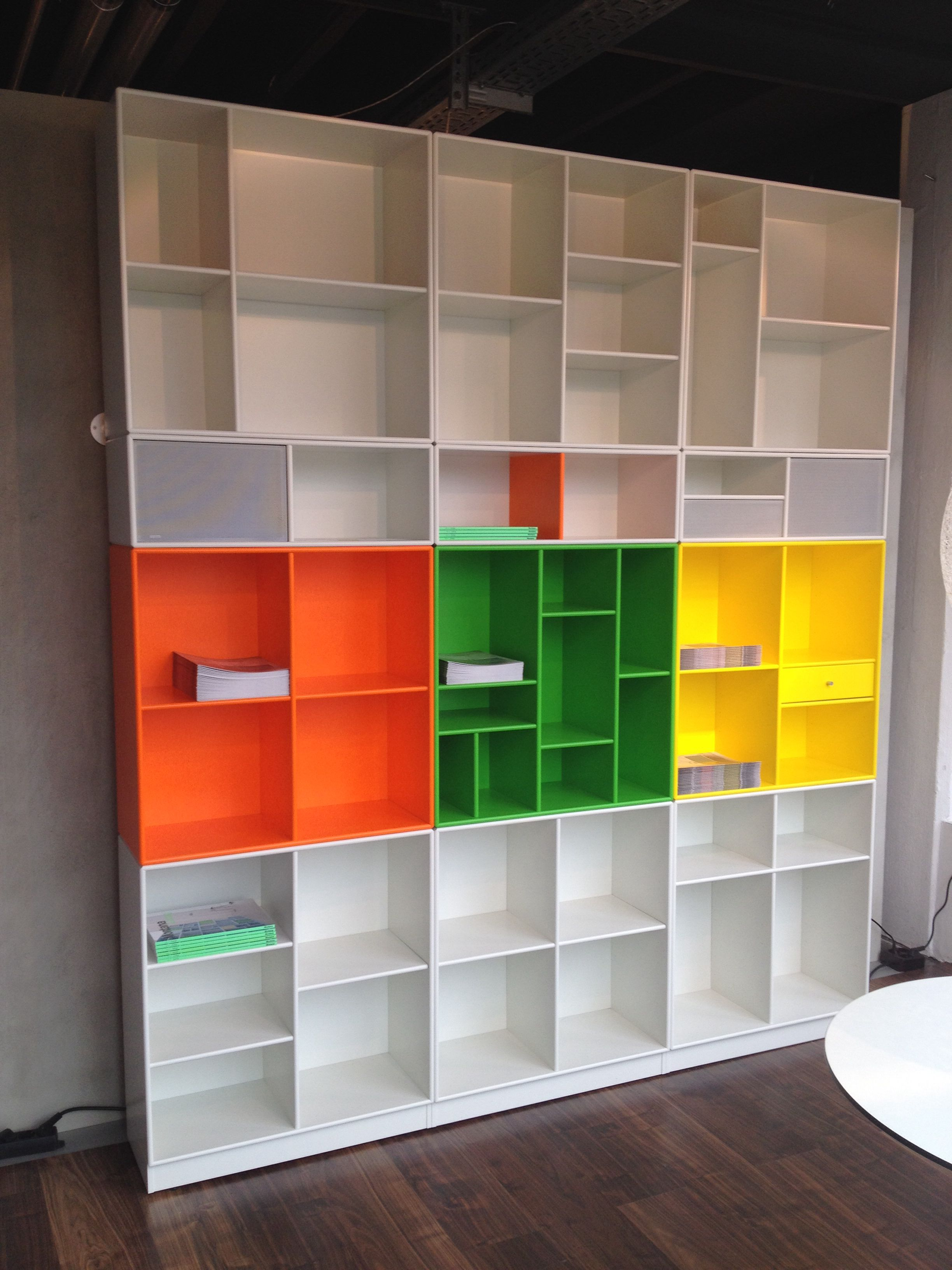 Neue montana Wand aufgebaut Möbelbausystem aus Dänemark