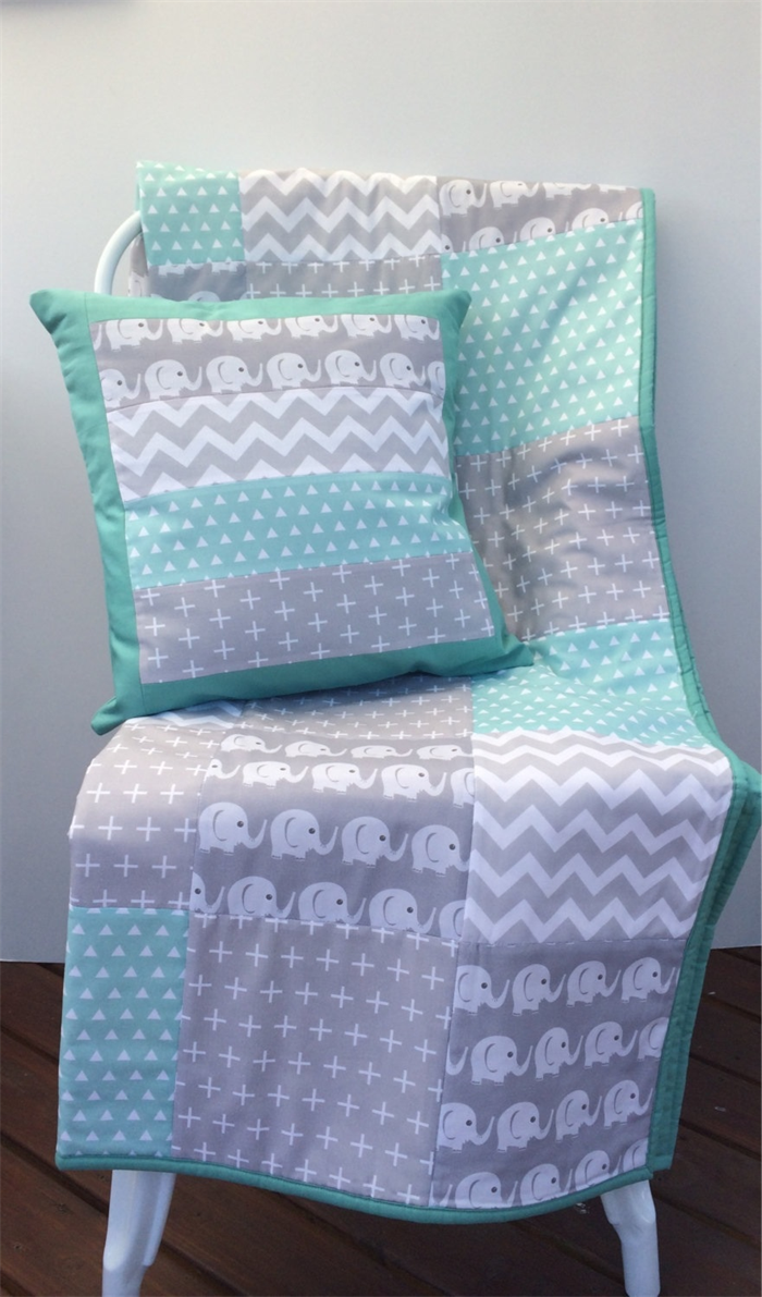 510fc75e24f0 Baby Cot Patchwork Quilt w  Mint and Grey Elephant Pattern