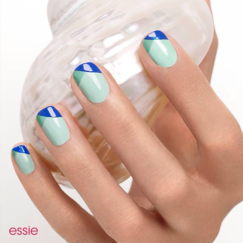 Love this colour combination and twist on French tip | French ...
