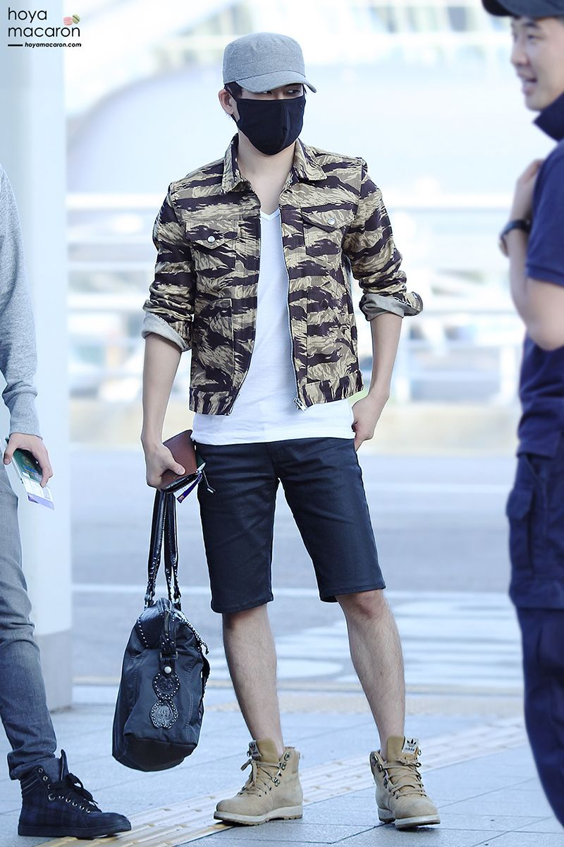 Hoya From K Pop Group Infinite Airport Fashion Pinterest Infinite Kpop Fashion And