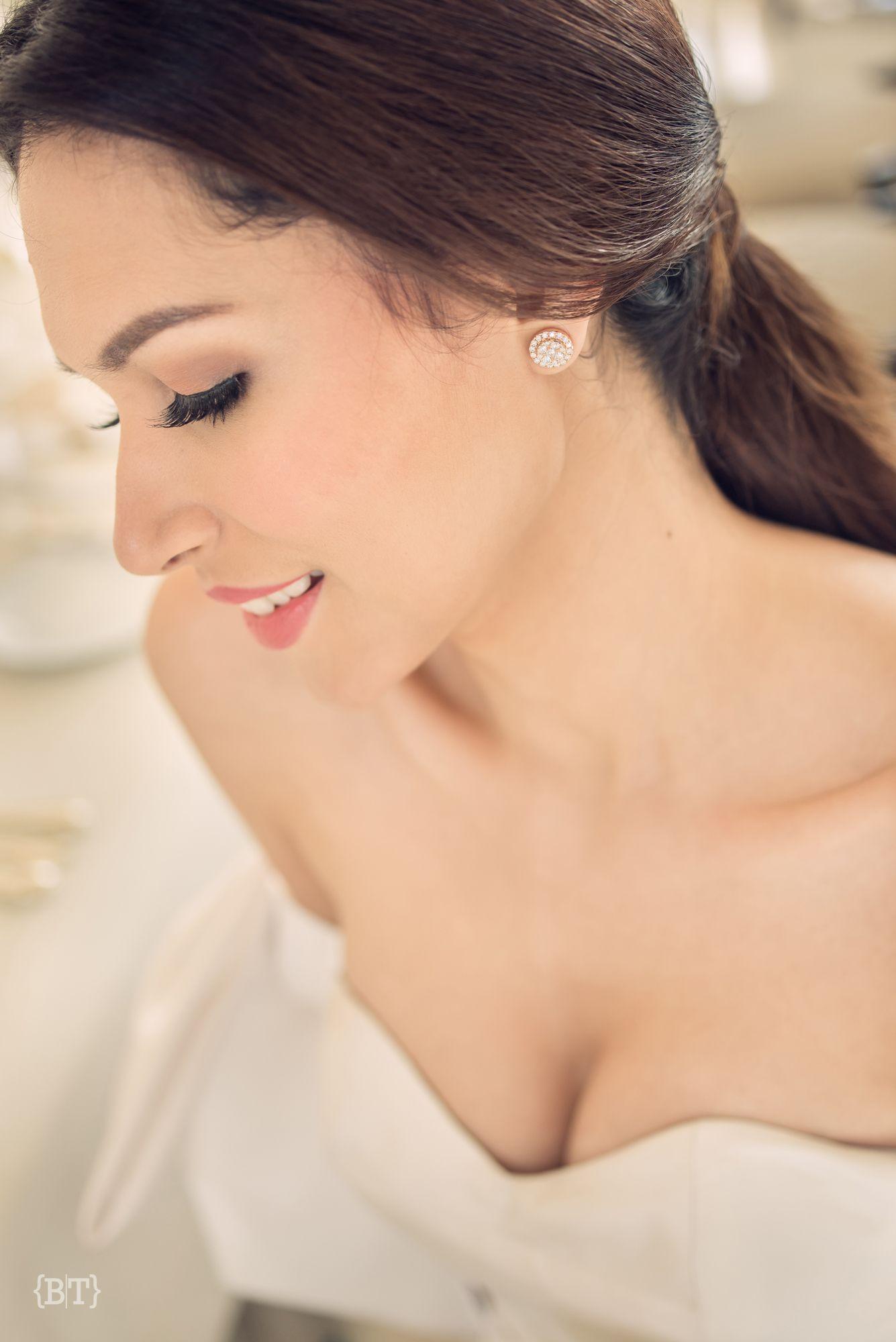 Bea Almeda Benjie Tiongco Photography Bridal Hair And Makeup Weddingdetails Weddinghairstyles W Bridal Hair And Makeup Classy Wedding Wedding Trends