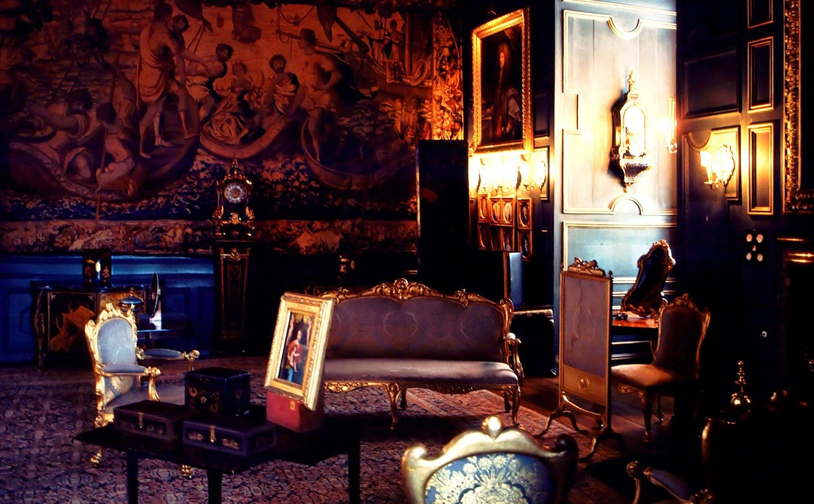Medieval Castle Interior   loveisspeed.....: Powis Castle is a medieval castle, fortress and ...