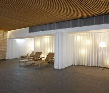 raumtrenn rundrohr system silent gliss apartment pinterest raum haus mit garage und garage. Black Bedroom Furniture Sets. Home Design Ideas