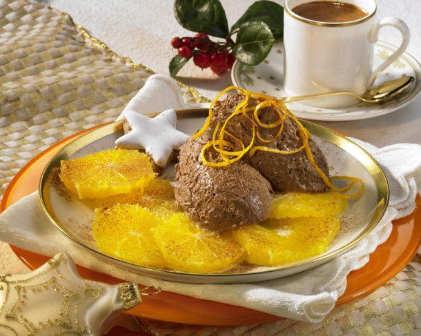 Schoko-Mousse mit marinierten Orangen Rezept