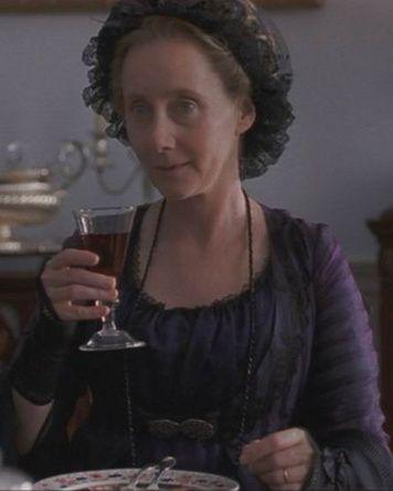 Gemma Jones Mrs Dashwood Sense And Sensibility 1995 Janeausten Anglee Jane Austen Movies Jane Austen Gemma Jones
