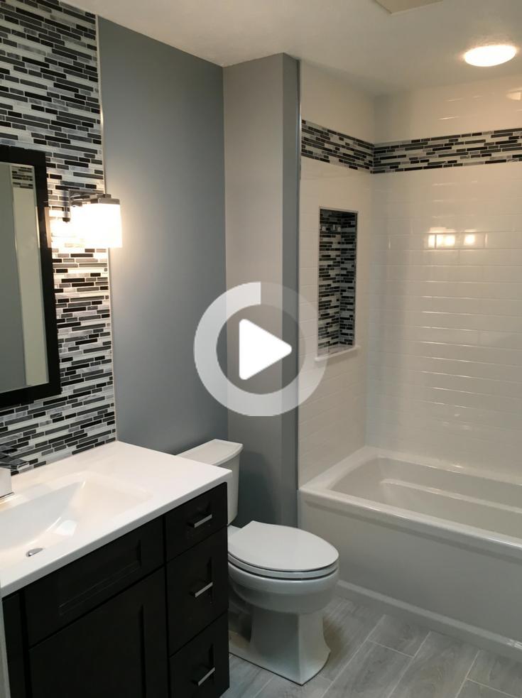 Les 10 Commandements Du Succes Du Remodelage De La Salle De Bain In 2020 Stylish Bathroom Bathroom Design Small Affordable Bathroom Remodel