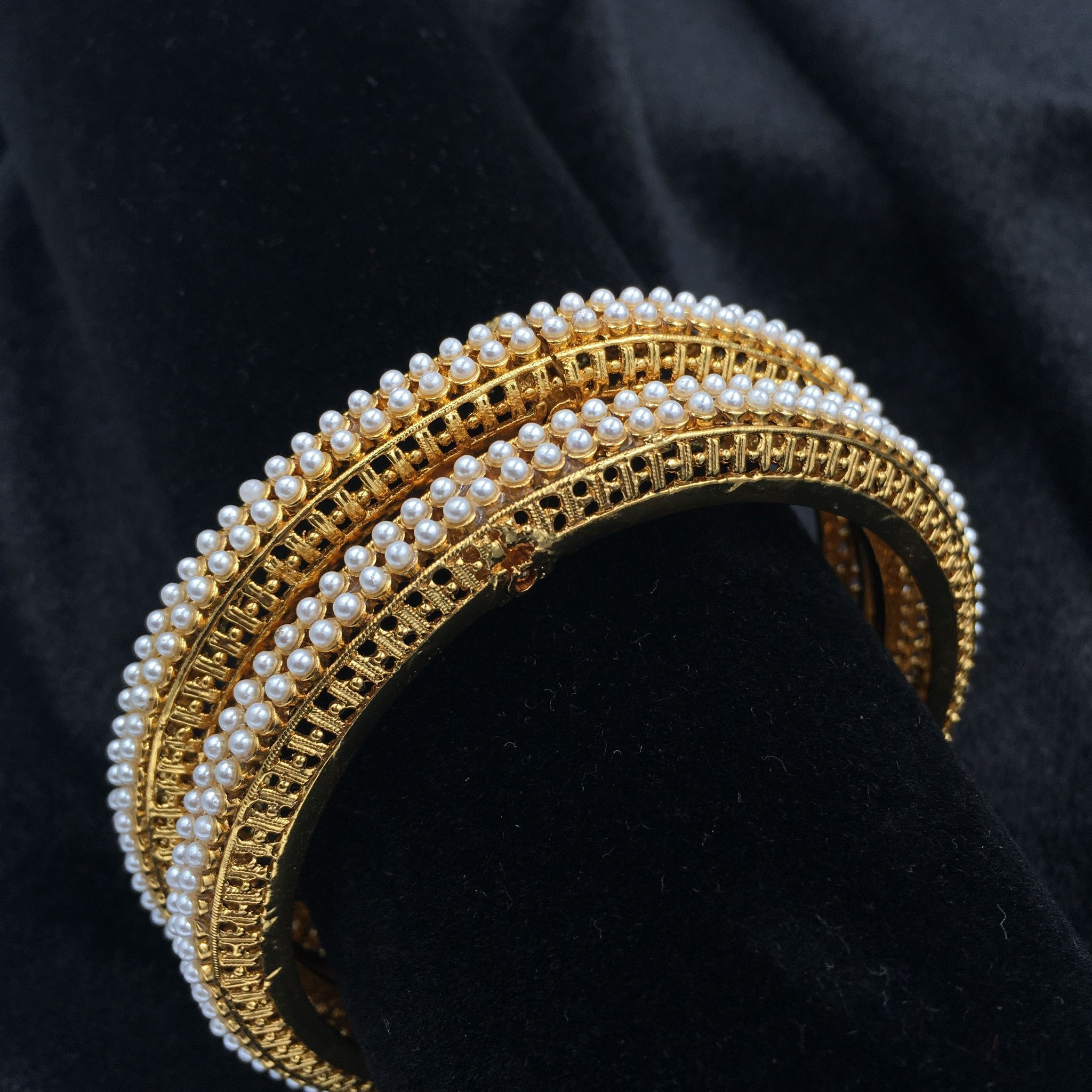 bracelets rs designer db no golden sassy look diamond bangles