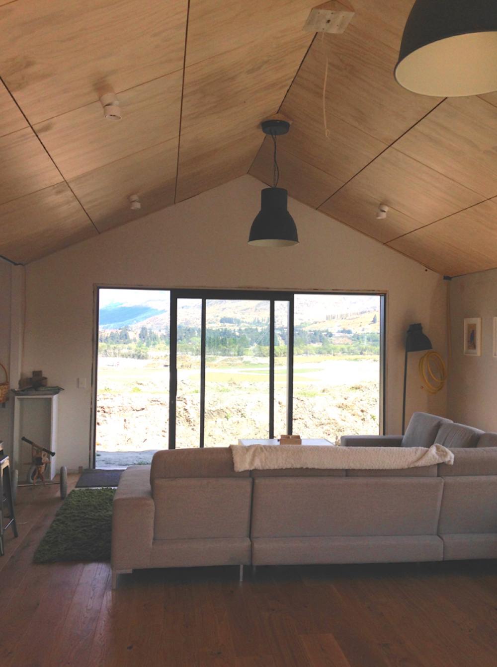 ply, plywood, blonded, living room, building nz , buildme.co.nz