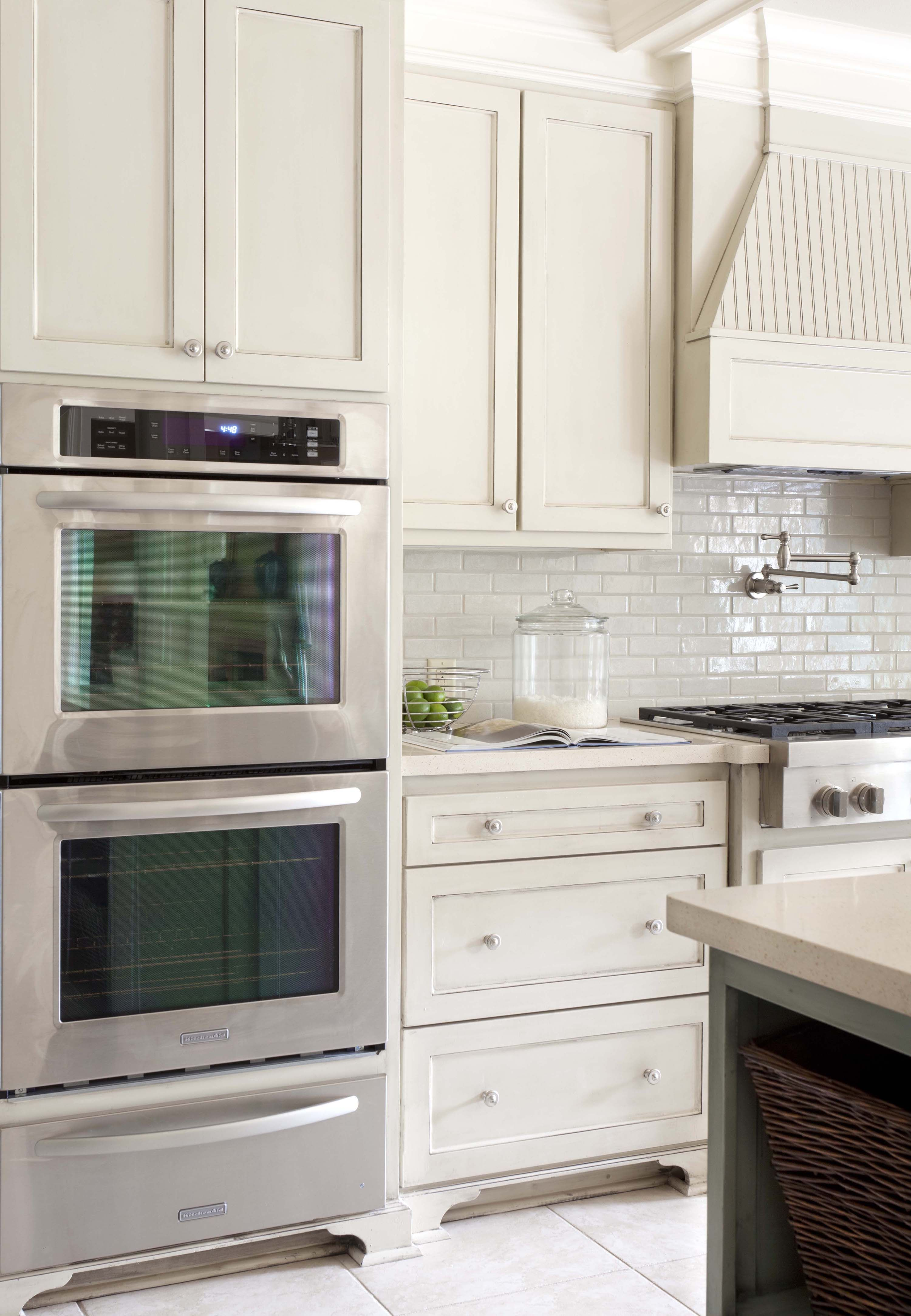 Polished To Perfection At Home In Arkansas Greige Kitchen Elegant Kitchens Ivory Kitchen