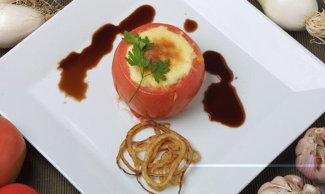 Receta De Tomates Rellenos De Arroz Karlos Arguiñano Receta Tomates Rellenos Recetas De Tomates Rellenos Tomates Rellenos De Atún