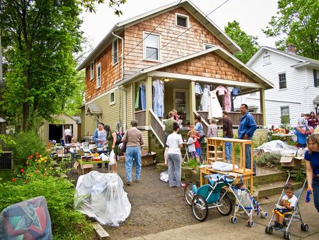The Seller S Guide To Garage Yard Sales In Toronto Garage Sale Tips Yard Sale Yard Sale Finds