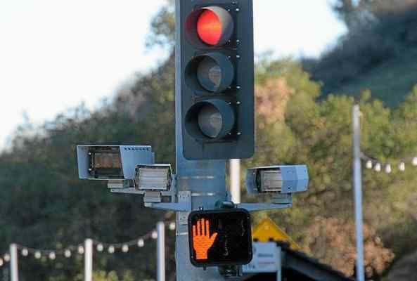 Cerritos Looks To Make More Money From Its Red Light Cameras Red Light Camera Traffic Camera Light Red