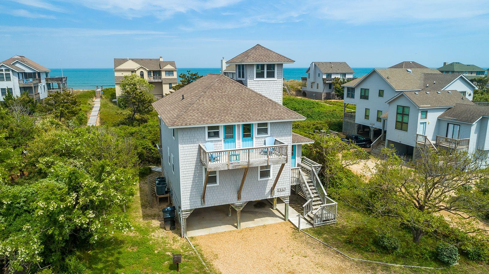 Hirsch Beach Haven In 2020 Oceanfront Vacation Rentals Beach Haven House Styles
