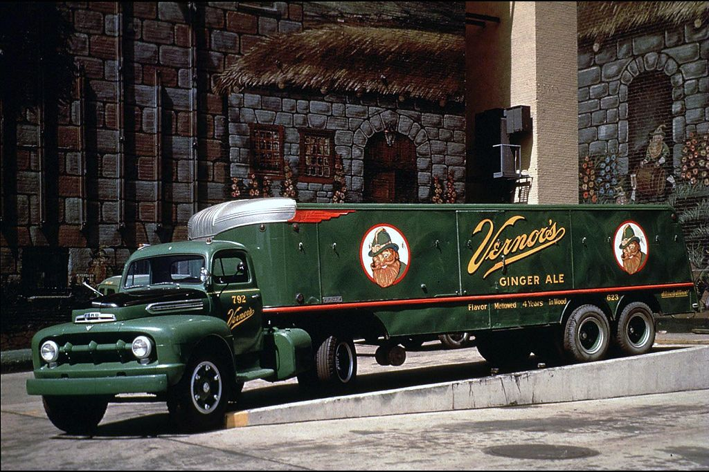 1953 Ford F-8 Big Job