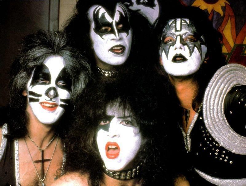 1975  Gene Simmons  & the rest of Kiss.