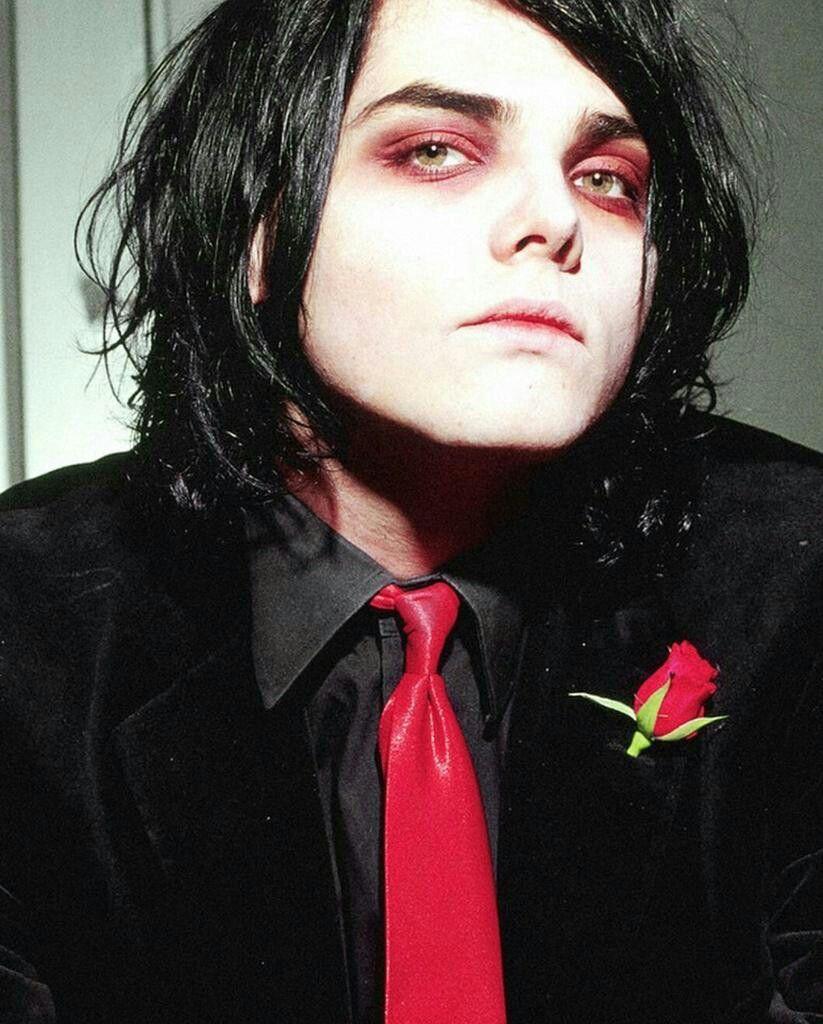Gerard way geesus pinterest romance killjoys and emo bands