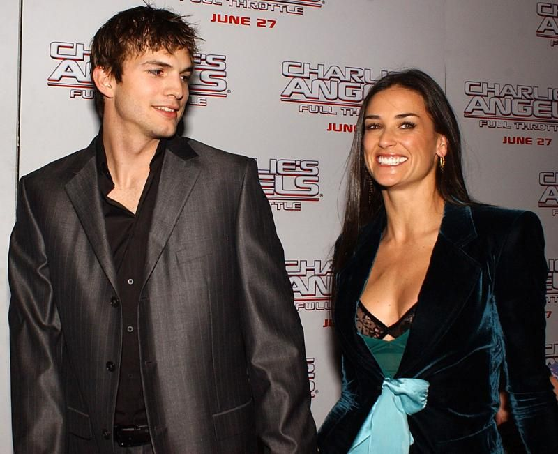 Demi Moore And Ashton Kutcher Oficially Divorce Fter 8 Years Of Marriage Demi Moore Ashton Kutcher Divorcio