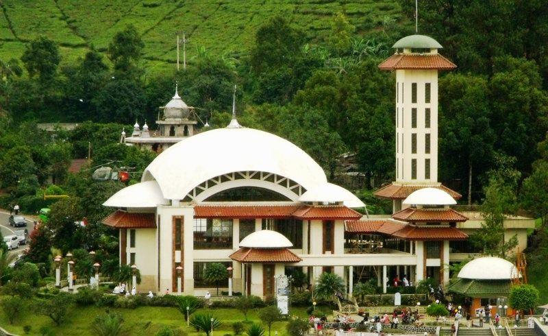 السياحة في بونشاك اهم 13 من الاماكن السياحية في بونشاك اندونيسيا مسافر عربي Outdoor Structures Tourism Outdoor