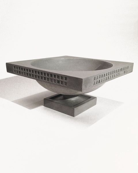 This Frank Lloyd Wright Darwin Martin House decorative planter is a scaled down version of the exterior planters positioned outside of the Darwin D. Martin House (Buffalo, NY, 1905) and can be used to lavishly display your plantings indoors or outside.