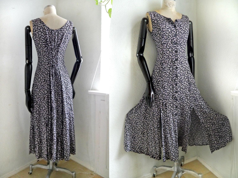 90s dress Etsy-Shop https://www.etsy.com/listing/270500239/90s-dress-floral-button-down-flirty