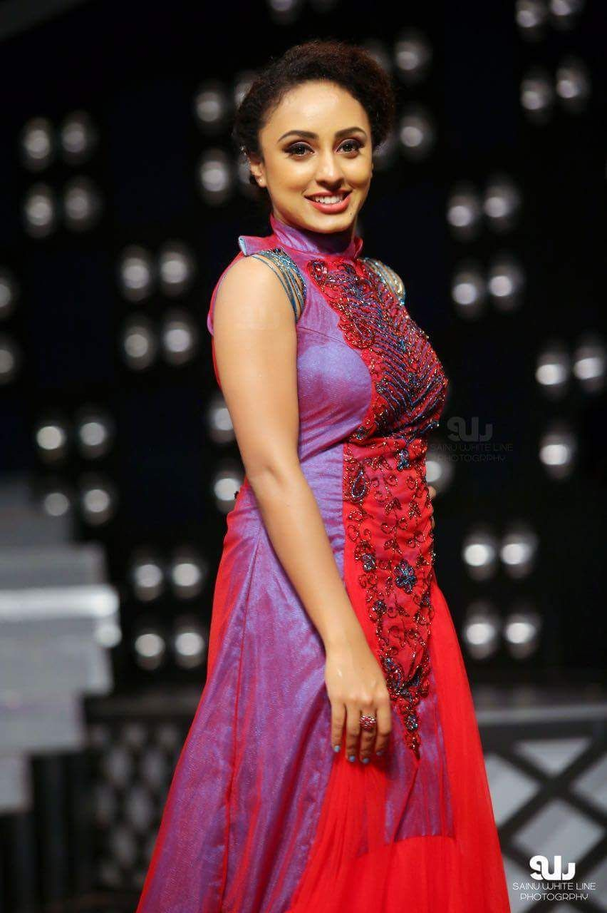 Pearle Maaney Hot And Sexy Photos | pearly | Sexy, Pearls, Hot