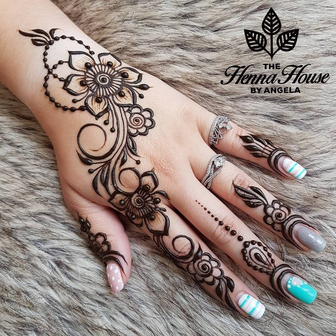 The Henna House By Angela Hennabyang On Instagram Another Design Focusing On Si Henna Tattoo Designs Simple Henna Tattoo Designs Henna Tattoo Designs Hand
