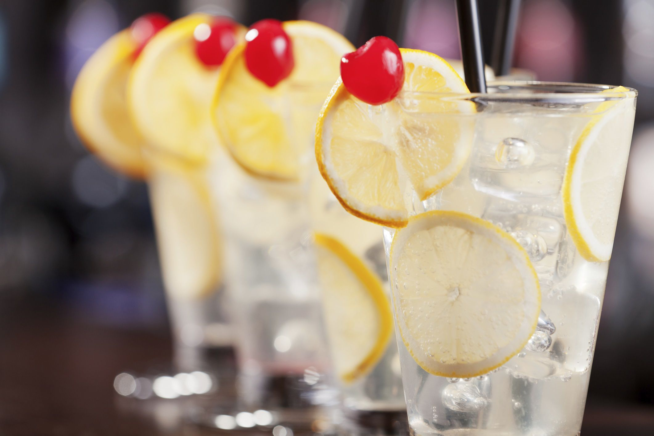 Low-Calorie and Low-Carb Tom Collins Drink pictures