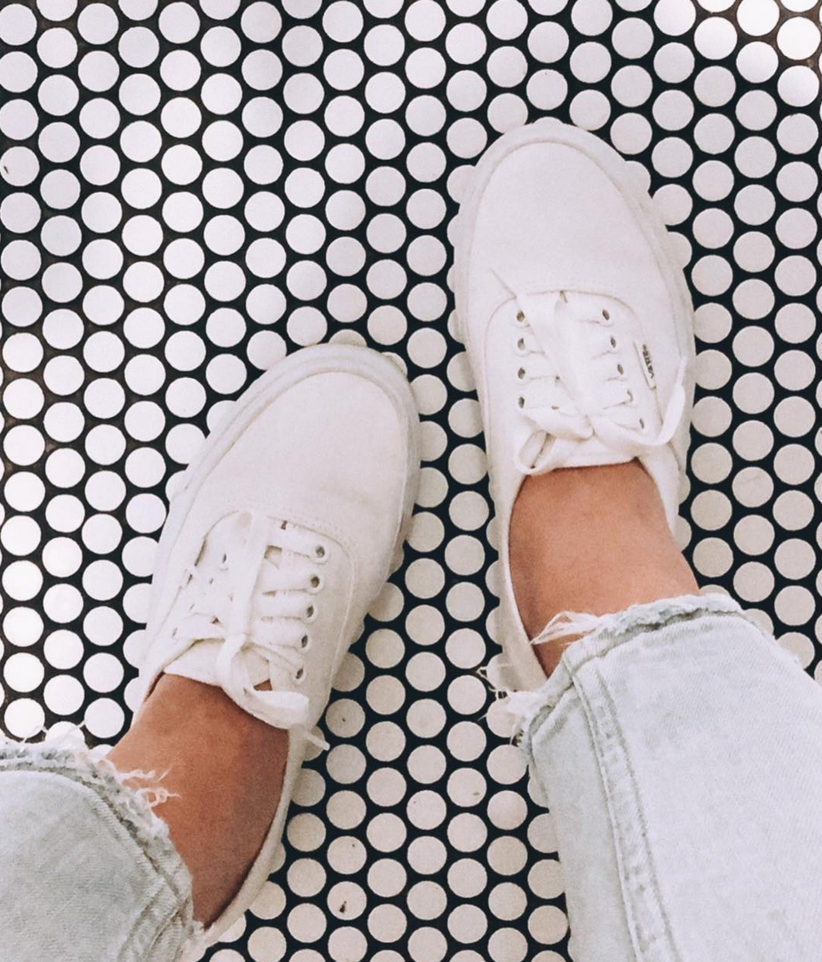 You Re It Via Js0 803 Vans Authentic Outfit Vans Girls All White Sneakers [ 1084 x 926 Pixel ]