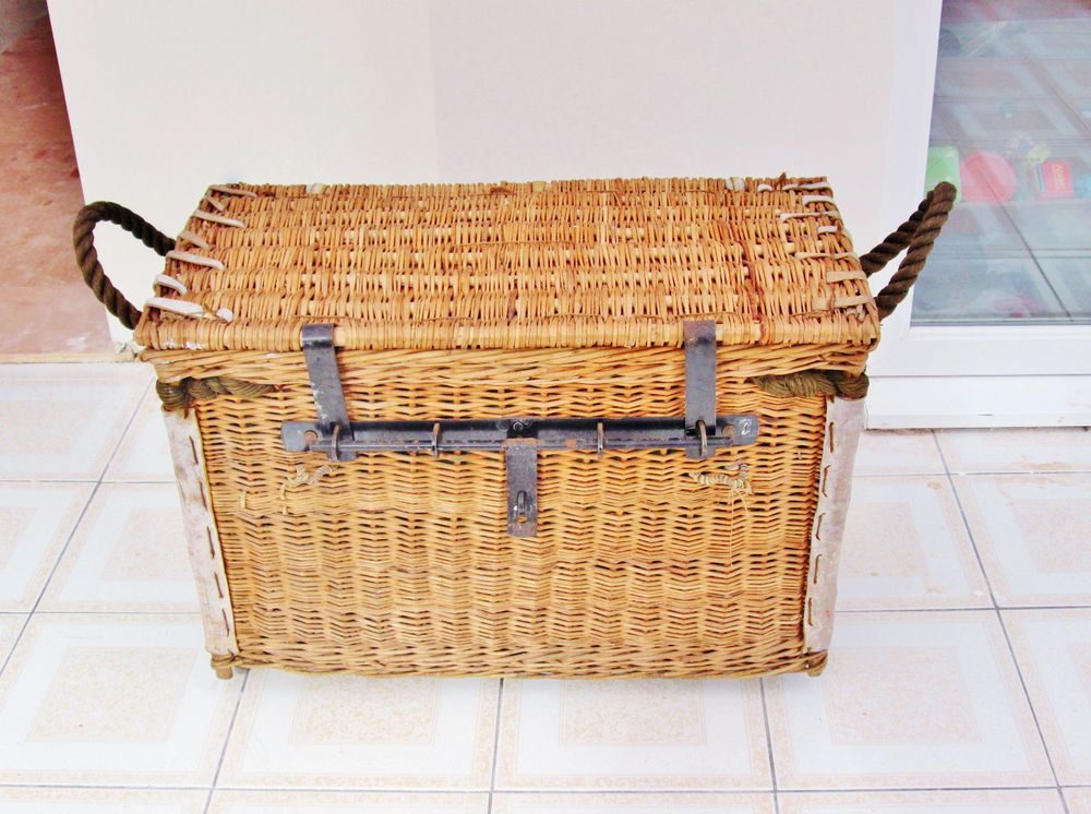 Antique Wicker Steamer Trunk   Blanket Chest Storage Log Basket Or Coffee  Table