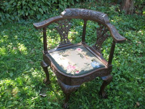 Antique-Corner-Chair-Cir-1800-Oak-Wood-Carve- - Antique-Corner-Chair-Cir-1800-Oak-Wood-Carve-Squirels-Claw-Feet