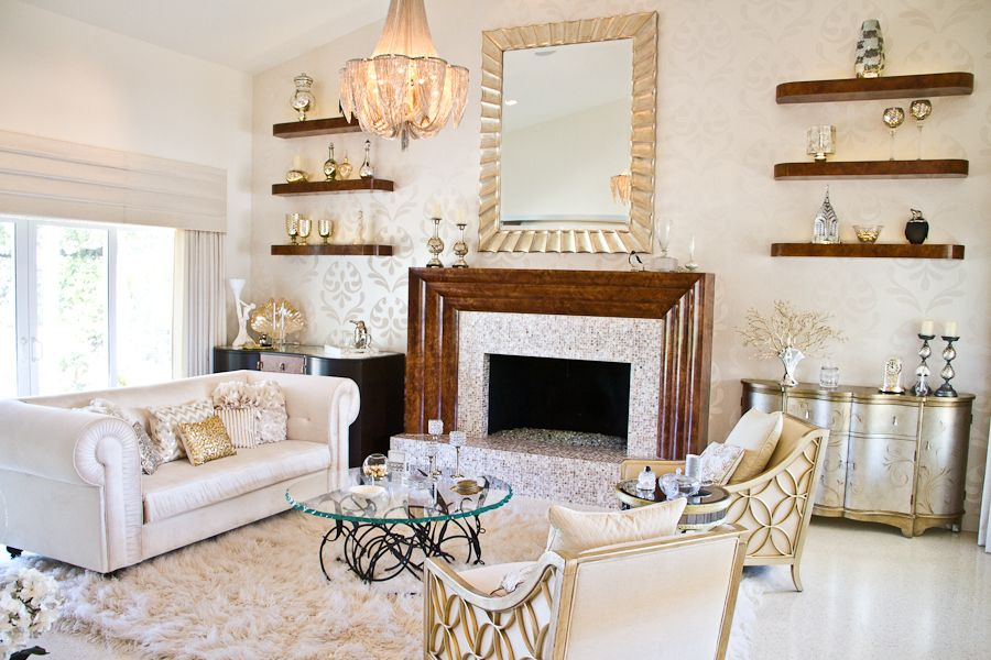 Depiction of Old Hollywood Glamour Decor The