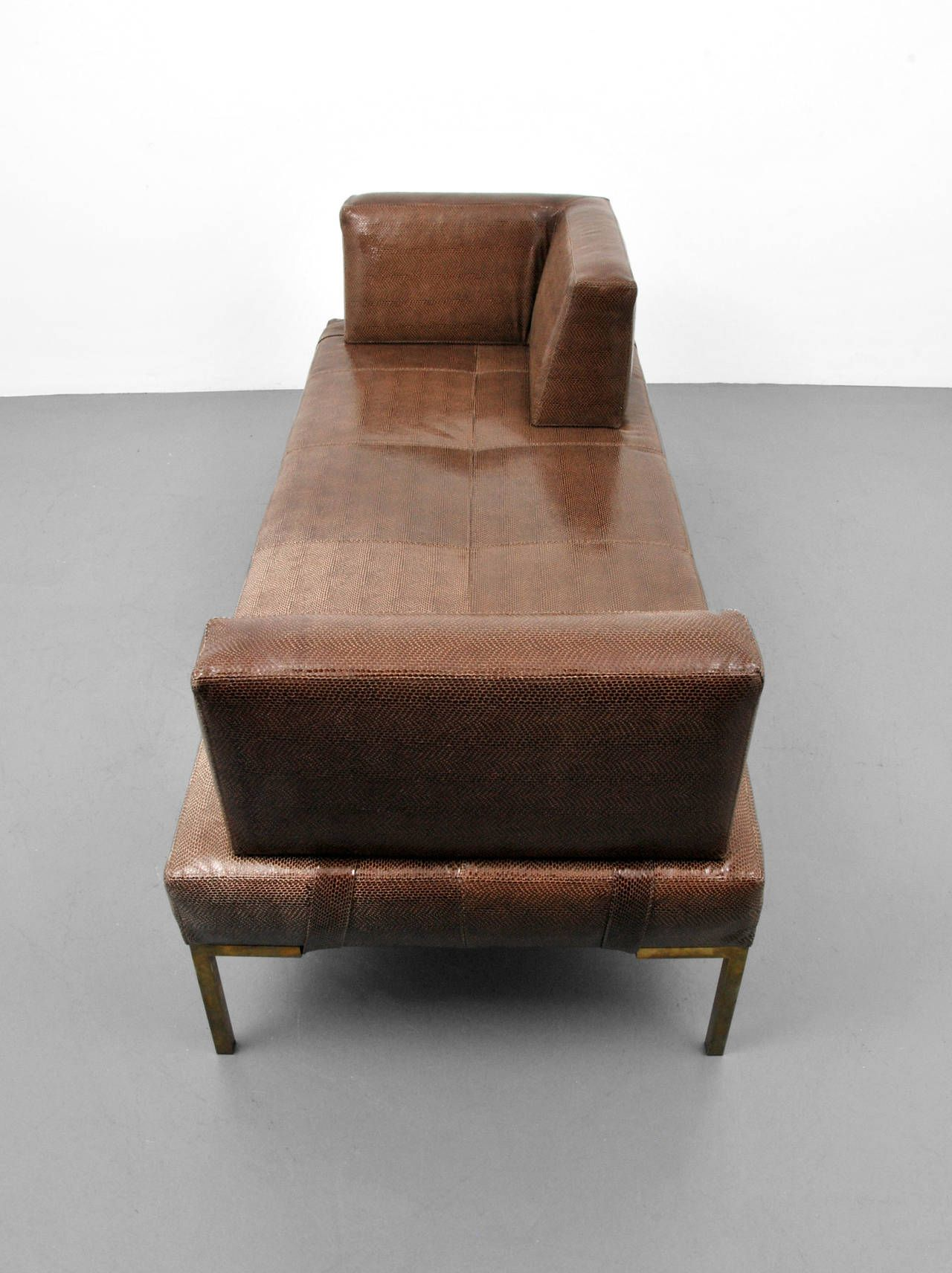 Antique And Vintage Chaise Longues 1 408 For Sale At 1stdibs Leather Daybed Chaise Chaise Lounge