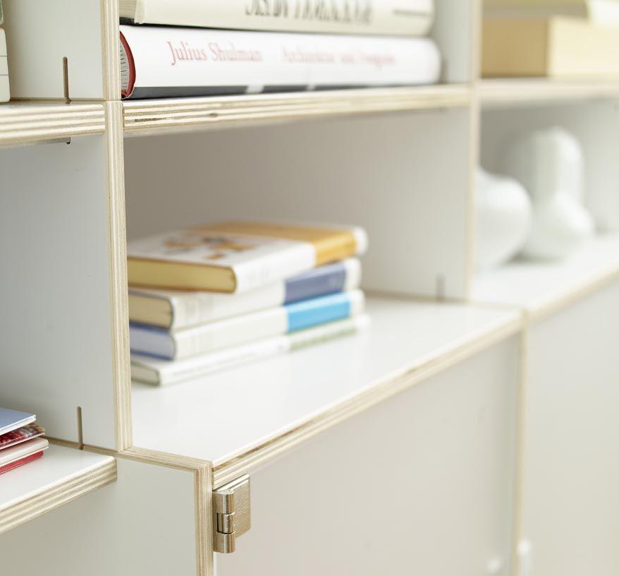 das team von regalsystem rio sorgt f r deutsche. Black Bedroom Furniture Sets. Home Design Ideas