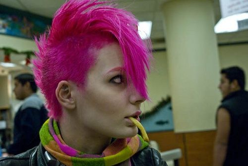 Going all pink (eyebrows included) on this #Goth girl