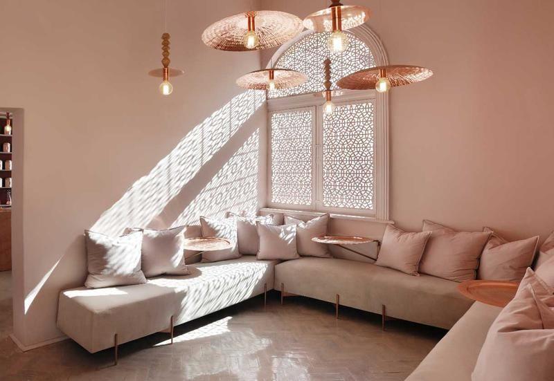 Pareti Rosa Salmone : Pareti rosa antico in una casa da tè mozzafiato elle decor italia