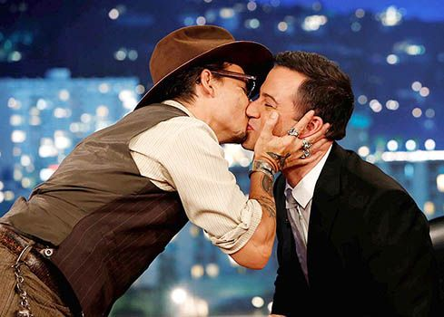 Johnny Depp Kisses Jimmy Kimmel Says He Didn T Kiss Girls In High