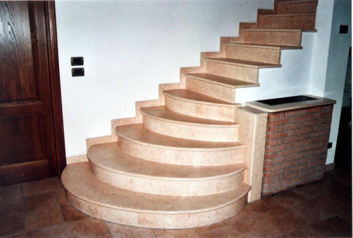 Le scale in marmo realizzate nel materiale desiderato come ad esempio nel marmo artigiani365 - Marmo per scale ...