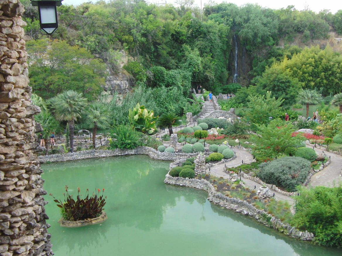 Japanese Tea Gardens, San Antonio in 2020 Sunken gardens