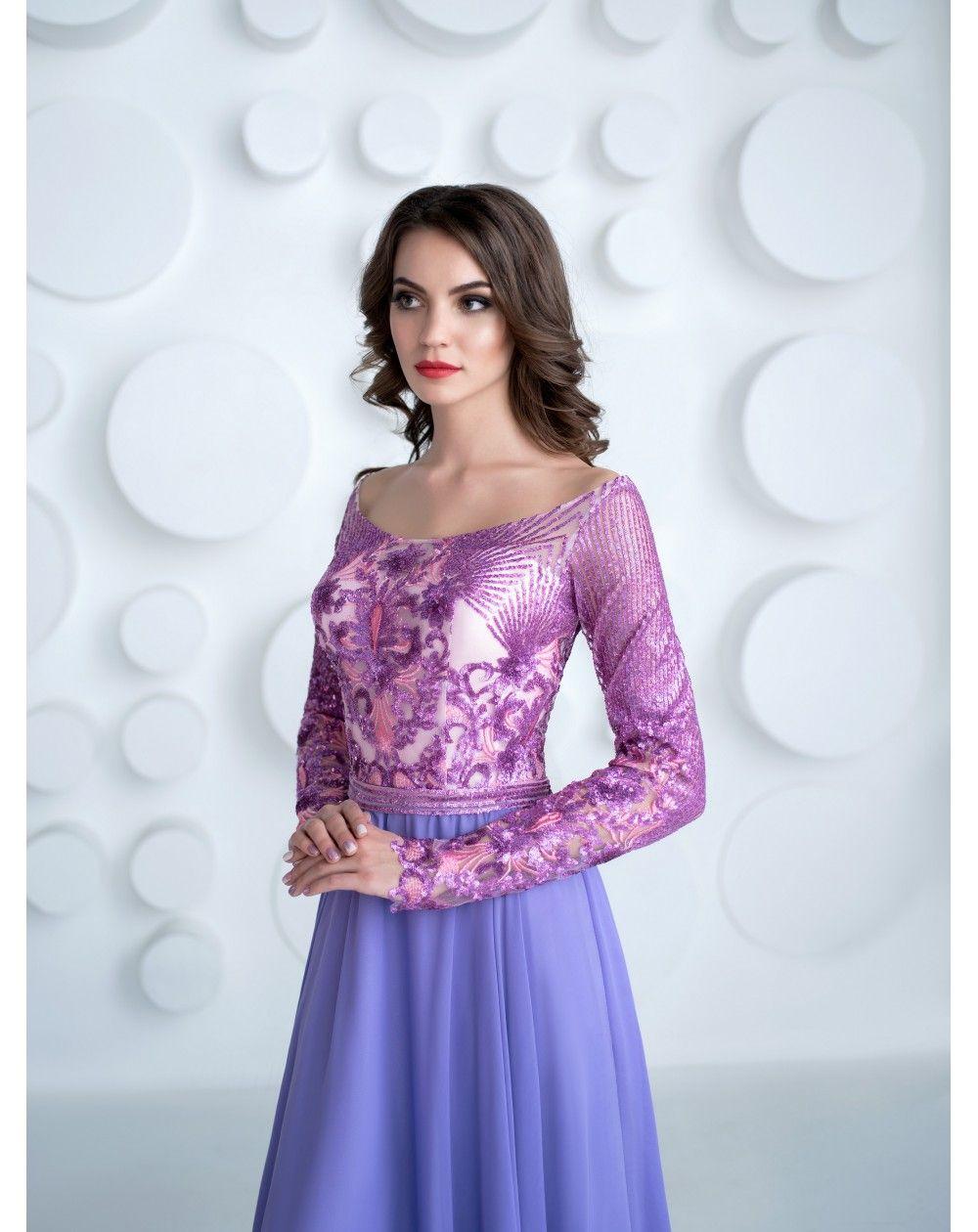 Dlhé modré šaty večerné šaty s dlhými rukávmi. Zvršok je vytvorený z  neopakovateľnej látky so 1a2cbee0173