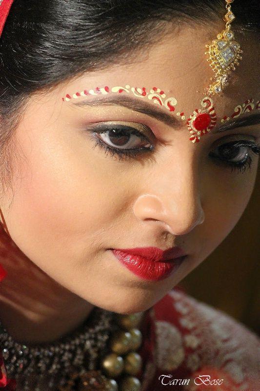 Pin By Marigold Gateway To India On Forehead Chandan Designs Bengali Bridal Makeup Bengali Bride Bride