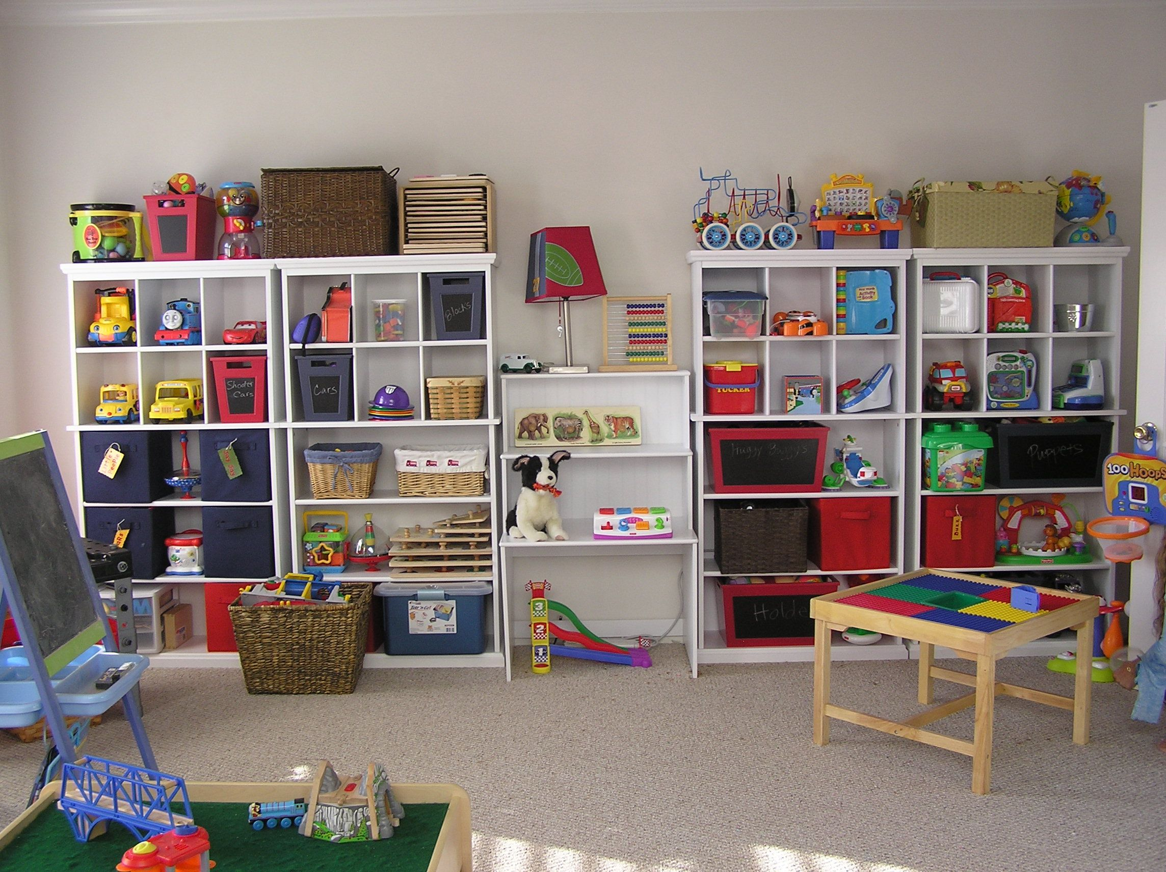 Kids room organization ideas organizing kids toysamy - Ideas for storing toys in living room ...