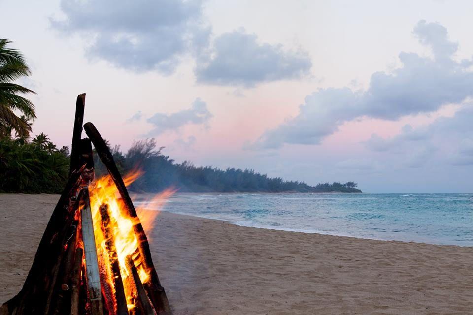 Enjoy a beach bonfire at #VillaMontanaBeachResort ...