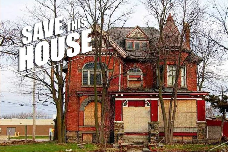 25 000 Will Buy You The Fixer Upper Of A Lifetime In Saginaw Mi Old Houses Historic Homes Victorian Houses For Sale